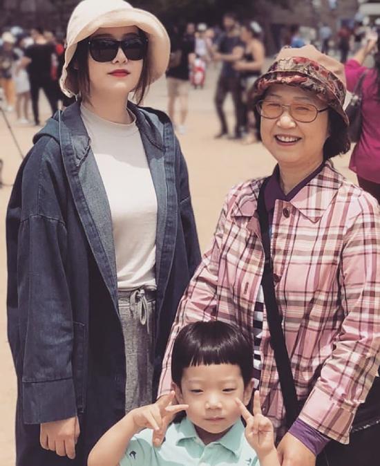 Goo Hye Sun và mẹ.