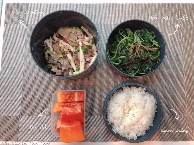 Thực đơn đa dạng mà Thủy trong bữa cơm của chồng Thủy cũng giúp các đồng nghiệp của anh tham khảođể tối về nấu theo.