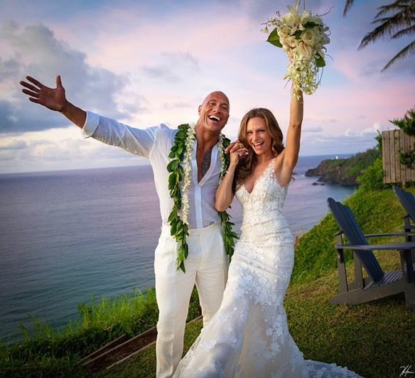 Dwayne và bạn gái lâu năm vừa tổ chức lễ cưới.