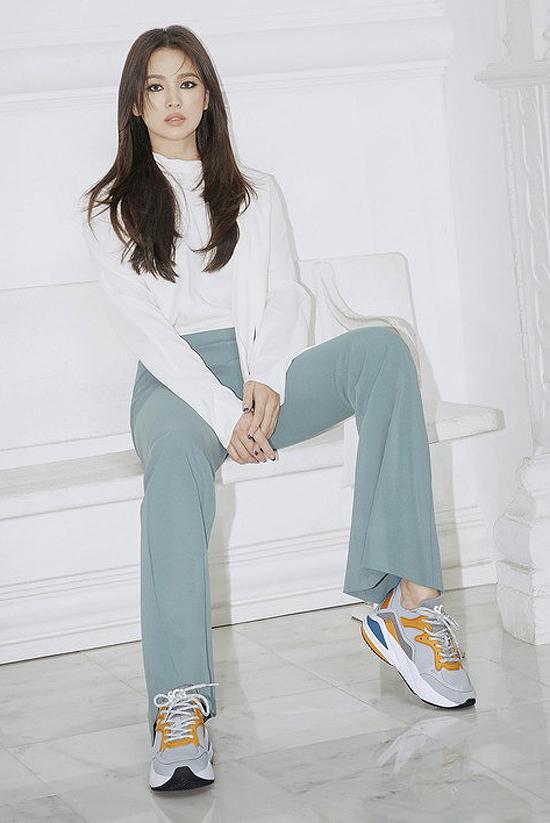Song Hye Kyo mặc sexy hơn sau khi bỏ chồng - 6