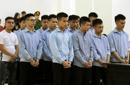 Các bị cáo tại phiên tòa ngày 29/7.