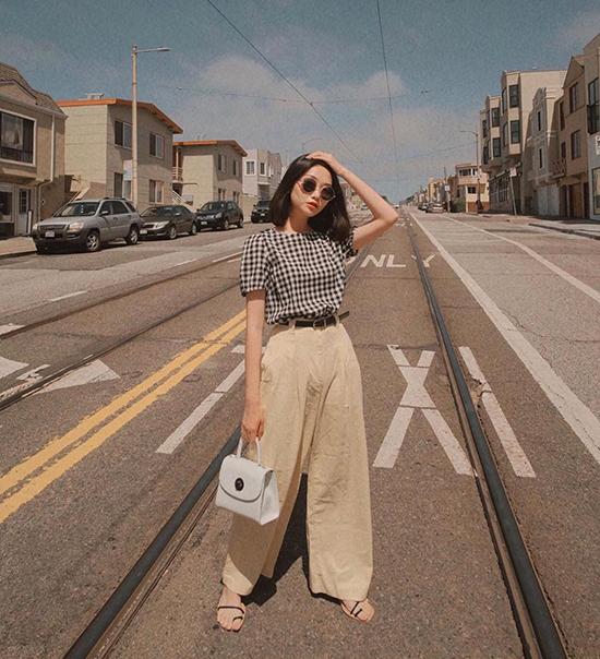 Ngoài các mẫu quần suông basic, quần ống rộng cũng được các fashionista châu Á yêu thích ở mùa mốt năm nay.