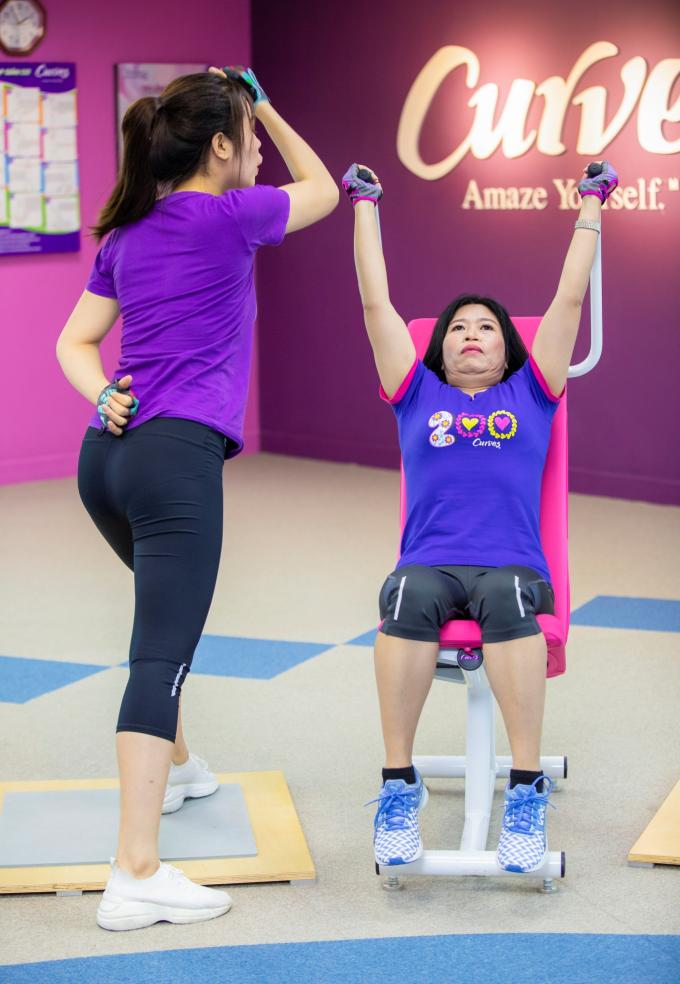 Bài thể dục 30 phút giúp phái đẹp rèn luyện vóc dáng - 4