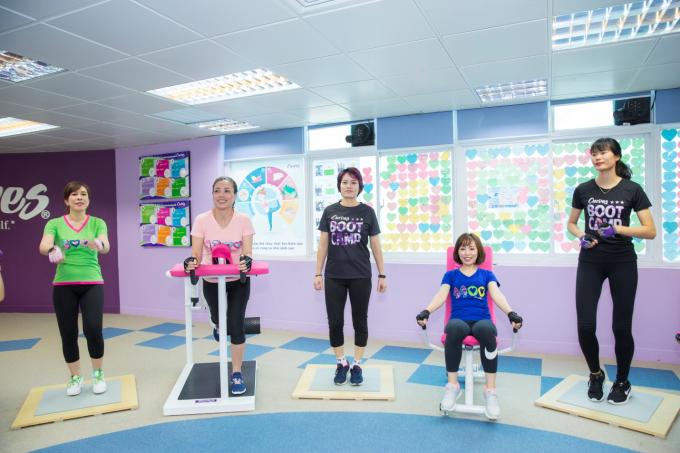 Bài thể dục 30 phút giúp phái đẹp rèn luyện vóc dáng - 1