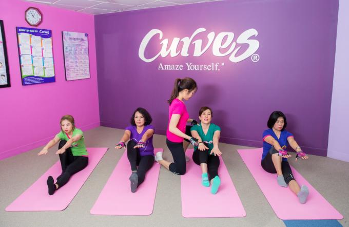 Bài thể dục 30 phút giúp phái đẹp rèn luyện vóc dáng - 2
