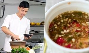 Sơn Đoàn hướng dẫn làm nước chấm rễ ngò Thái Lan ăn với hải sản