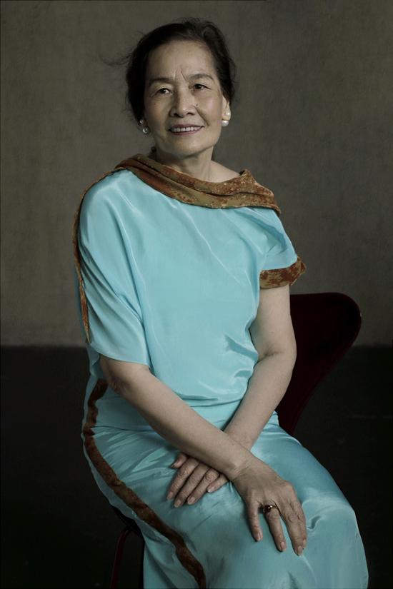 Tôi nghĩ rằng tất cả phụ nữ dù ở bất kì độ tuổi nào đều đẹp nếu họ biết trân trọng vẻ đẹp của riêng mình, Li Lam chia sẻ.