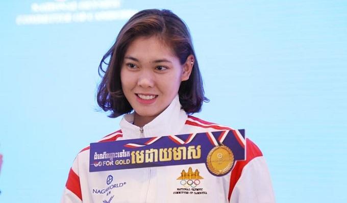 Sorn Seavmey, sinh năm 1995, được xem là biểu tượng thể thao của Campuchia. Nữ võ sĩ taekwondovới chiều cao 1,83m và vóc dáng như người mẫu này từng giành HC vàng SEA Games 2013, 2017 và HC vàng Asian Games 2014 ở hạng cân dưới 73 kg. Sau Á vận hội ở Hàn Quốc năm đó, Seavmey được chào đón như người hùng ở quê nhà.