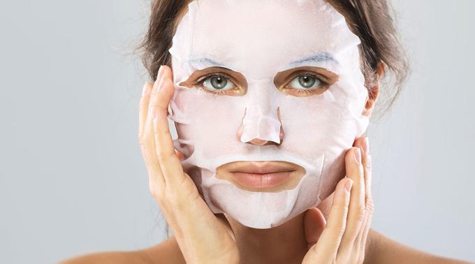 Mặt nạ giấy có thể làm hại da nếu bạn sử dụng không đúng cách.