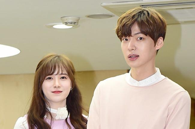 Vợ chồng Ahn Jae Hyun, Goo Hye Sun không tìm được tiếng nói chung trong vấn đề ly hôn.