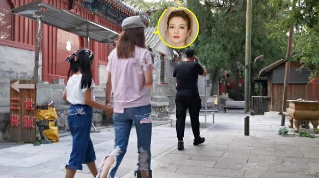 Con gái Triệu Vy đã cao ngang vai mẹ.