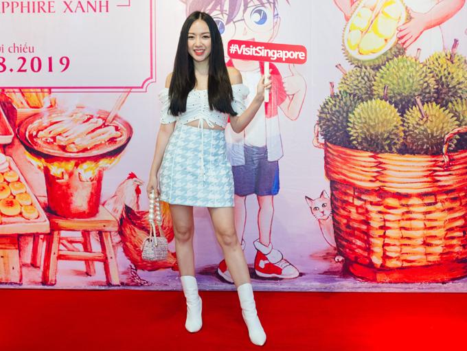 Băng Di mặc trẻ trung, năng động tới sự kiện điện ảnh do Tổng cục Du lịch Singapore tổ chức.