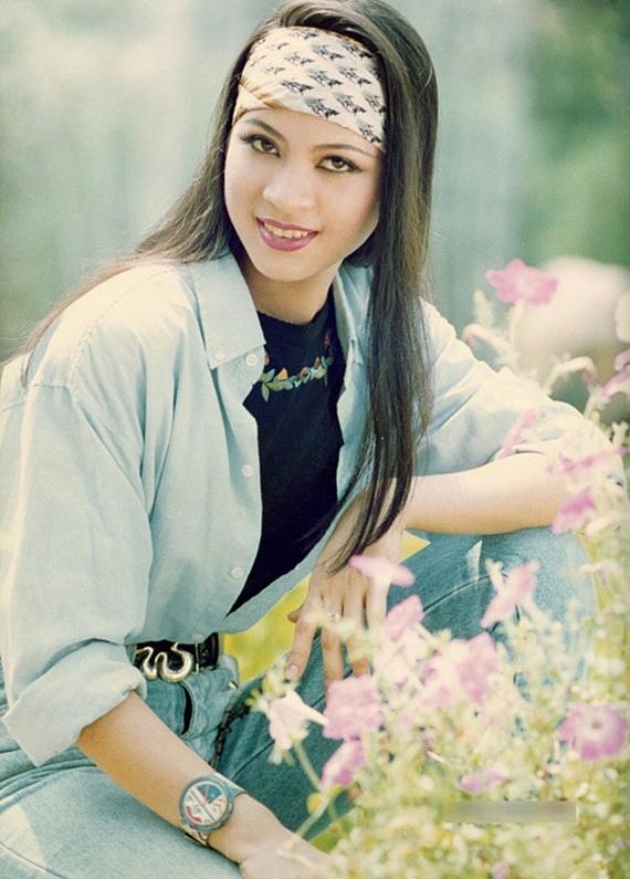 Gương mặt xinh đẹp giúp Thanh Mai trở thành một trong những mỹ nhận được săn đón thập niên 1990, tham gia chụp nhiều bộ ảnh thời trang. Nhưng khoảng năm 1997, cô bắt đầu rút lui khỏi nghệ thuật, tập trung kinh doanh thẩm mỹ,làm đẹp và sớm lấy bằng MBA.