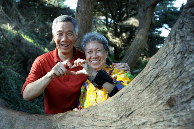 Ông Lý Hiển Long và bà Hà Tinh chụp ảnh trong dịp Valentine 2016. Ảnh: MNS.