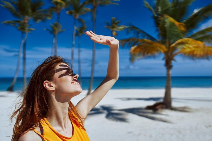 Tia UV là một trong những nguyên nhân khiến da nhanh lão hóa.
