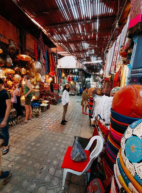 Ngô Thanh Vân đến thành phố đỏ huyền ảo ở Maroc - 1