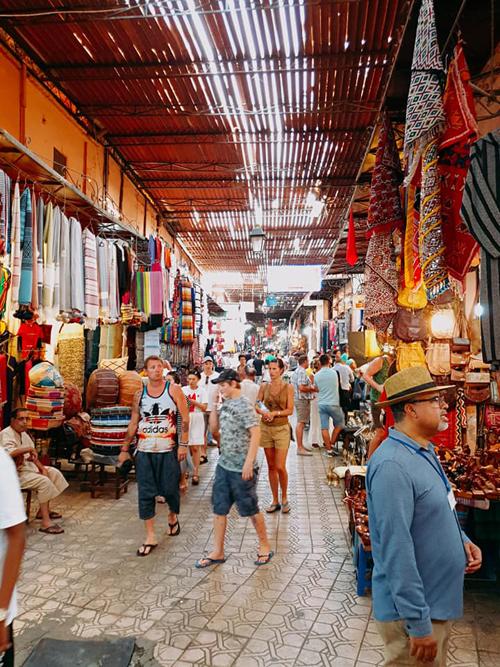 Ngô Thanh Vân đến thành phố đỏ huyền ảo ở Maroc - 6