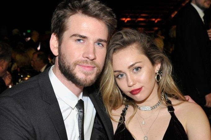 Miley Cyrus và Liam Hemsworth thời còn bên nhau.