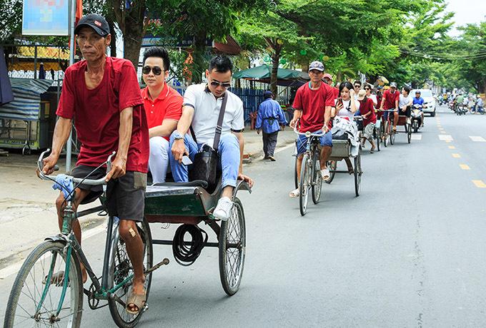 [Caption Mới đây, ca sĩ Quách Tuấn Du đứng ra tổ chức chương trình từ thiện mang tên: