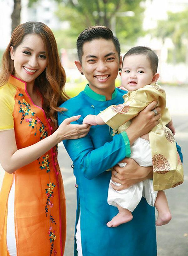 Ngoài thành công trong sự nghiệp, Phan Hiển còn đang hạnh phúc với bà xã Khánh Thi và những đứa con ngoan.