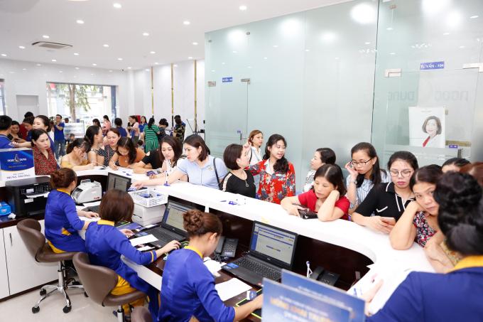 Hơn 6.000 người mừng khai trương Thẩm mỹ viện Ngọc Dung chi nhánh Vinh - 2
