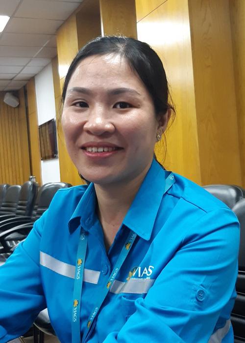 Chị Ngọc từng 12 lần phát hiện và trả lại tài sản khách bỏ quên trên máy bay từ đầu năm nay. Ảnh: VIAGS.