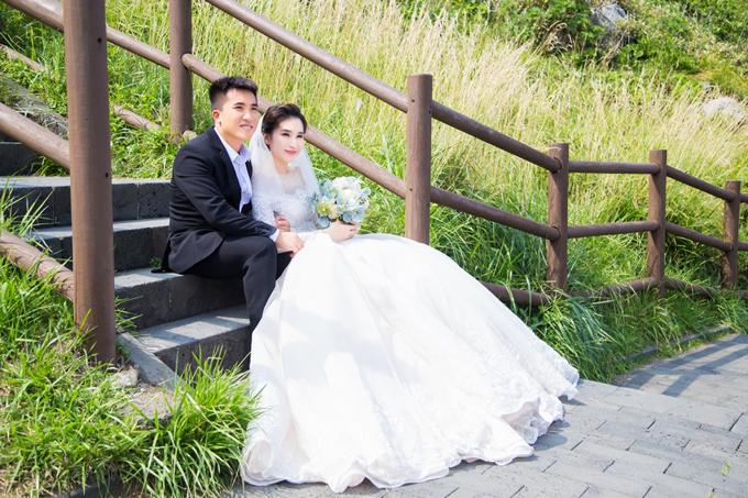 Vốn tính giản dị, tiết kiệm, ban đầu em gái Ngọc Diễm chỉ định chụp ảnh cưới ở studio tại Việt Nam nhưng Ngọc Diễm đã thuyết phục đôi uyên ương sang Hàn Quốc thực hiện album cưới.