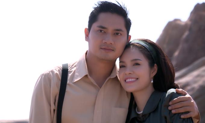 Minh Luân và Dương Cẩm Lynh đóng vai vợ chồng trong Oai trái nghĩa tình.