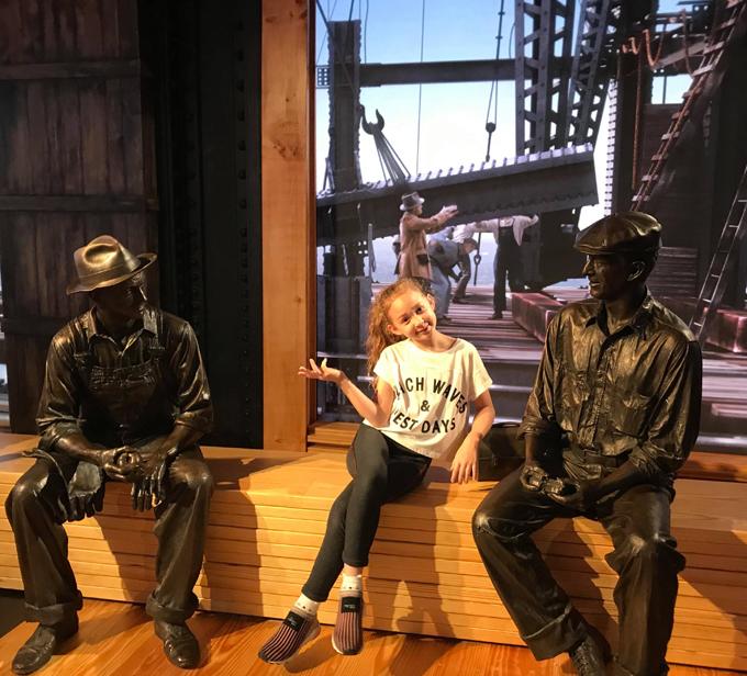 Elizabeth thích thú khi được đi tham quan bảo tàng và những công trình kiến trúc nổi tiếng ở Mỹ.