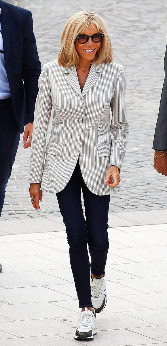 Đệ nhất phu nhân Pháp tốn hơn 400 triệu đồng cho váy áo 3 ngày dự G7