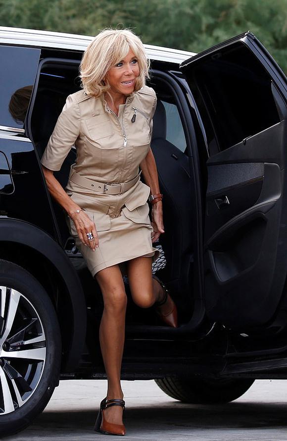 Đệ nhất phu nhân Pháp tốn hơn 400 triệu đồng cho váy áo 3 ngày dự G7 - 5