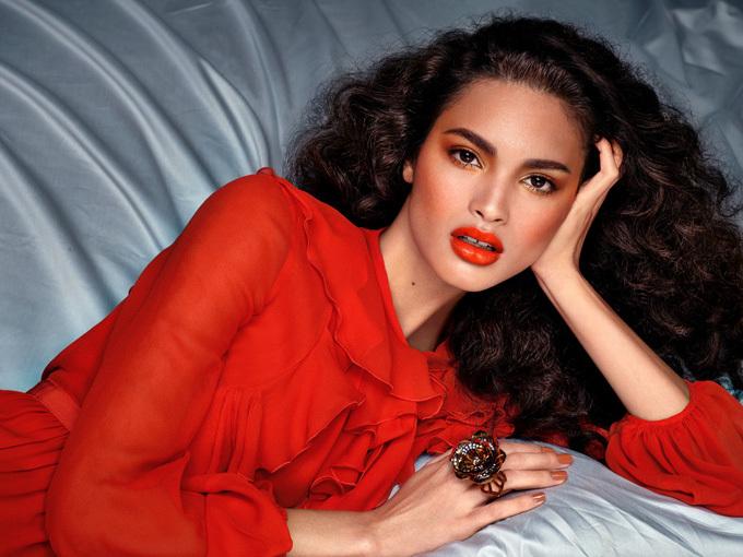 Hung Vanngo là tác giả của những gương mặt lung linh trên các bìa tạp chí thời trang nổi tiếng.