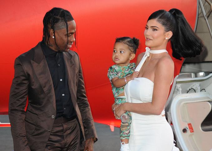 Rapper Travis Scott rất tự hào khi vợ con đến ủng hộ anh tại sự kiện này.