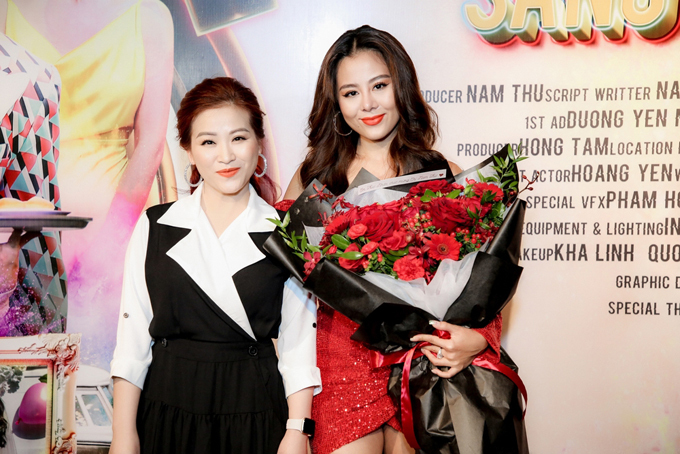 Nghệ sĩ Kiều Linh chúc mừng Nam Thư thử sức với vai trò nhà sản xuất.