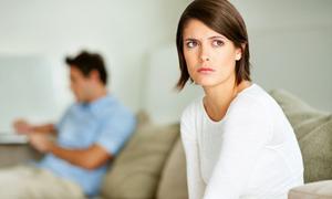 Cô bạn thân ngấm ngầm liên lạc với chồng tôi