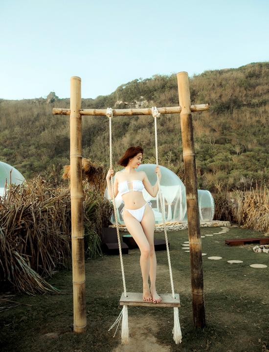 Ngọc Trinh diện bikini tận hưởng cảm giác thảnh thơi, thư thái khi đi du lịch. Cô có 4 ngày từ 28/8 đến 31/8 nghỉ ngơi trên đảo Bali.
