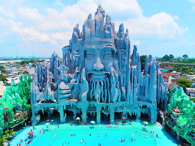 Du khách có cơ hội thỏa thích bơi lội tại biển nhân tạo Tiên Đồng - Ngọc Nữ.