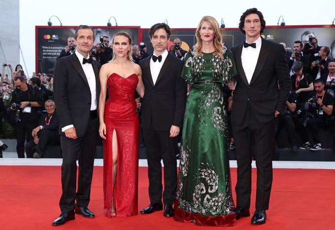 Scarlett là ngôi sao trong bộ phim Marriage Story cùng các đồng nghiệp Adam Driver, Laura Dern...