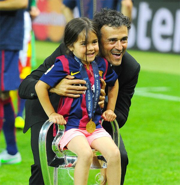 HLV Enrique và con gái Xana.
