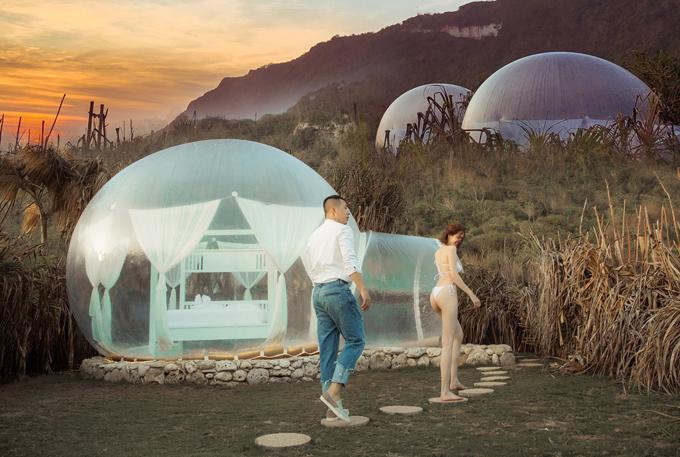 Phòng cho khách du lịch được thiết kế giống nhữngchiếc chai trong suốt, bên trong có giường ngủ êm ái, tiện nghi.