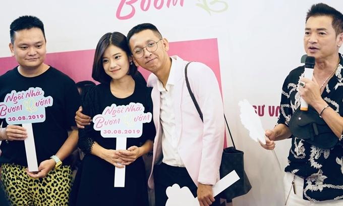 Từ trái sang: Trịnh Tú Trung, Hoàng Yến Chibi, đạo diễn Huỳnh Tuấn Anh, Quang Minh tại buổigiao lưu của đoàn phim Ngôi nhà bươm bướm.