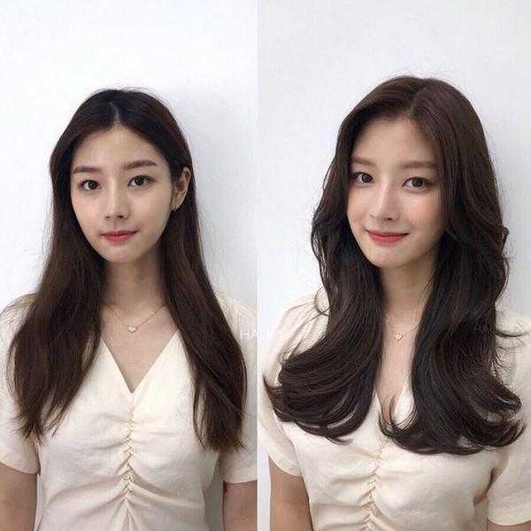 Uốn xoăn lọn lớn nhẹ nhàng vừa làm tăng độ dày cho tóc, vừa giúp bạn gái trông duyên dáng hơn.