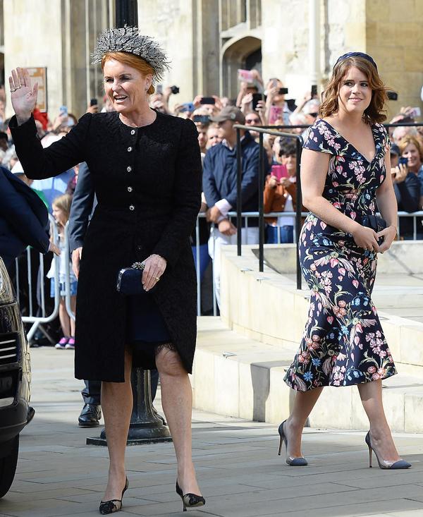 Nữ công tước xứ York và con gái -công chúaEugenie.