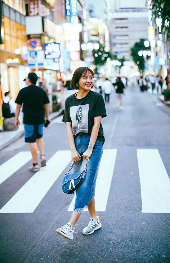 Sao Việt phối đồ với hai mẫu túi hợp trend - 3