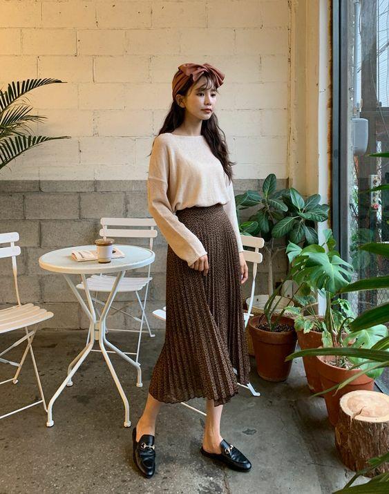 Phối chân váy midi cho đồ mùa thu - 9