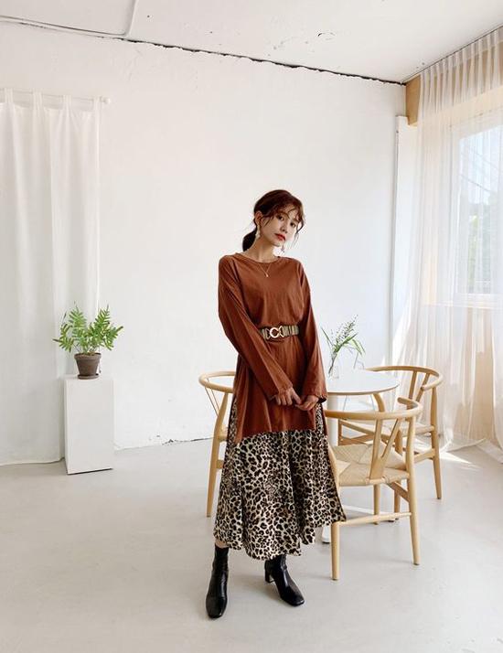 Phối chân váy midi cho đồ mùa thu - 10
