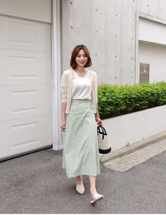 Phối chân váy midi cho đồ mùa thu - 3