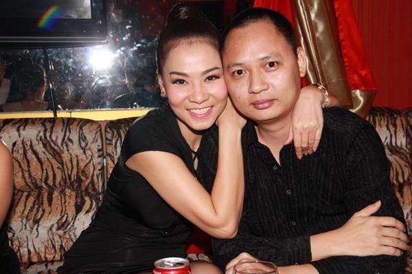 Nhạc sĩ Nguyễn Hải Phong (phải) và ca sĩ Thu Minh.