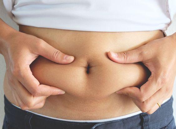 Thừa cân, béo phì khiến nhiều chị em khổ sở.