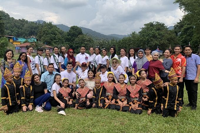 Cuộc thi Miss Earth Malaysia 2019 thu hút 40 thí sinh tham dự. Ngoài các tiêu chí về môi trường, ban tổ chức còn yêu cầu các thí sinh phải nói tốt